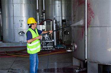 sanitizing food and beverage tank